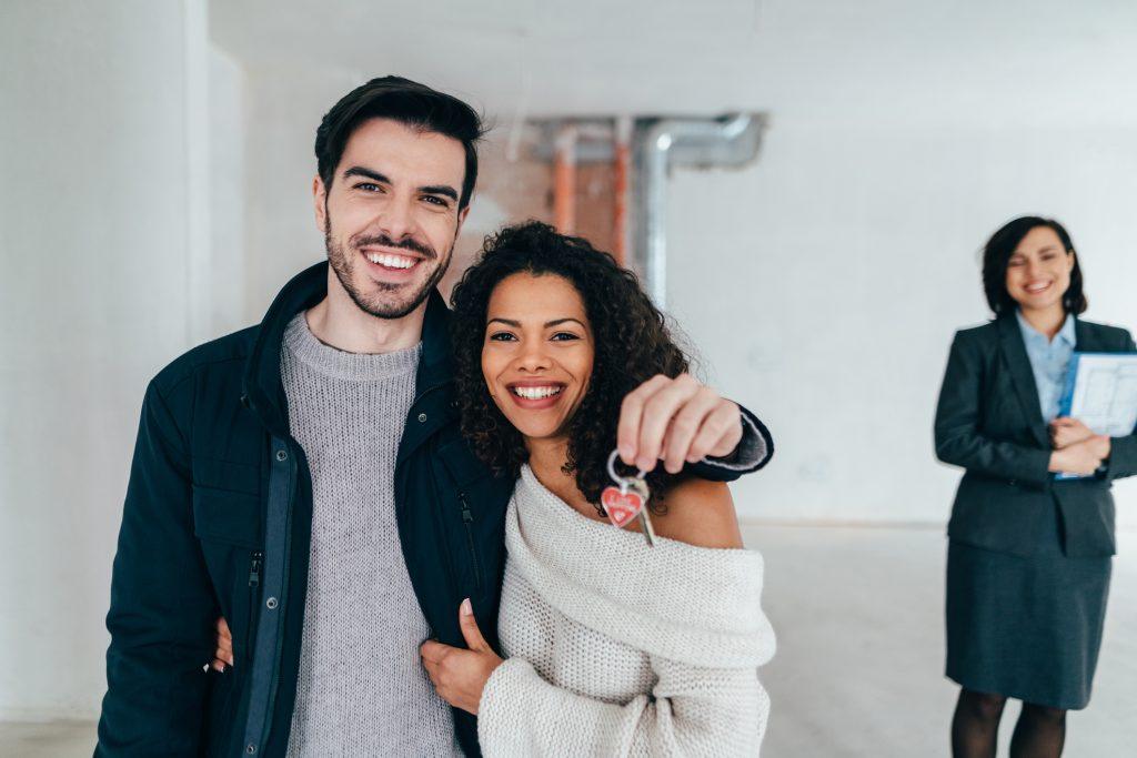 Co powinna zawierać umowa najmu mieszkania?